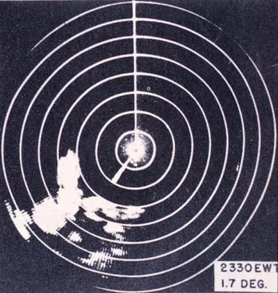 Violent thunderstorm activity and heavy rain to the southwest of Spring Lake, NJ, precedes a frontal passage, in AAF Manual 105-101-2 Radar Storm Detection, by Headquarters, Army Air Forces, August 1945.