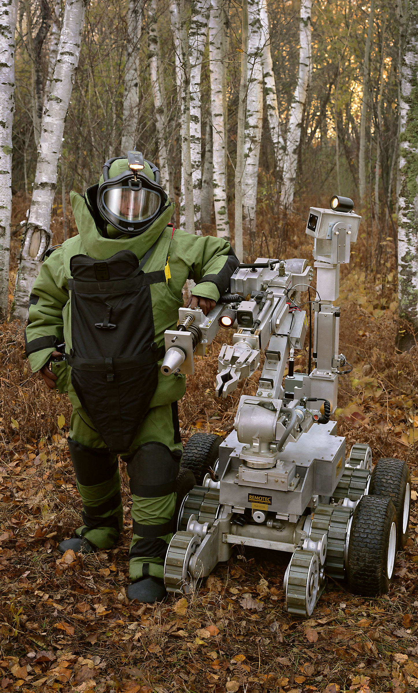 <p><em>Bomb suit, robot (148th Explosive Ordnance Disposal (EOD), Minnesota Air National Guard, Duluth, MN)</em>, 2005, pigmented inkjet on canvas with varnish, 63X38 inches</p>