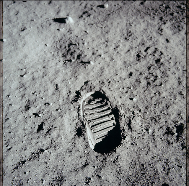 <p>Neil Armstrong&#8217;s footprint, an Apollo 11 Hasselblad image from film magazine 40/S &#8211; EVA, 1969</p>