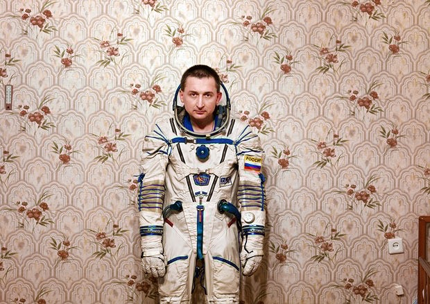 6.22.17 BORIS THE COSMONAUT SHOWS OFF SPACESUIT