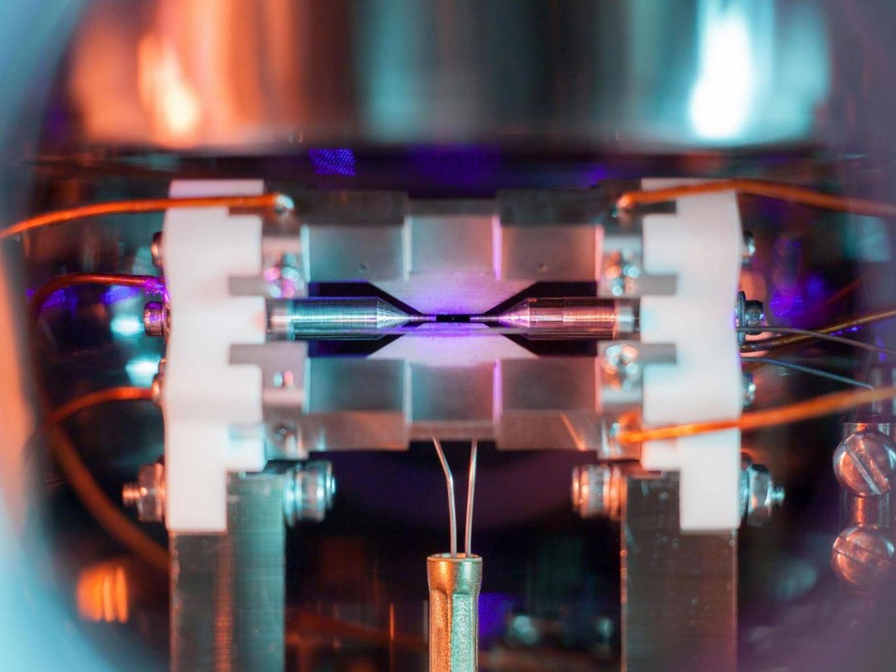 2.12.18 PIC OF SINGLE SUSPENDED ATOM WINS PRIZE